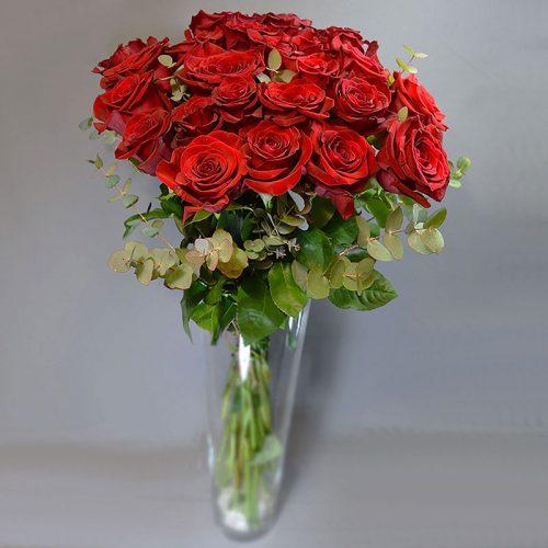 Cvjećarnica Fani_Rezano cvijeće_Crvene ruže sa zelenilom_