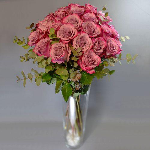Cvjećarnica Fani_Rezano cvijeće_Ljubičaste ruže sa zelenilom_