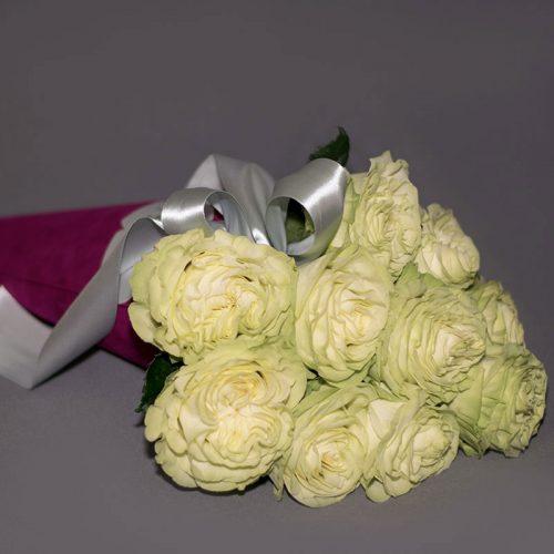 Cvjećarnica Fani_Flowerbox_Bijele ruže u tuljcu
