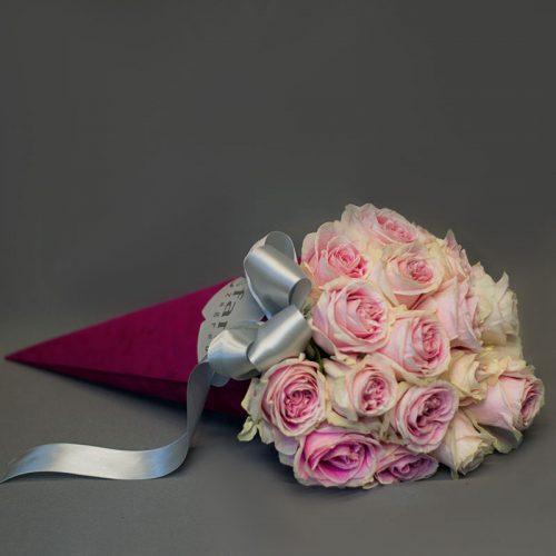 Cvjećarnica Fani_Flowerbox_Ružičaste ruže u tuljcu