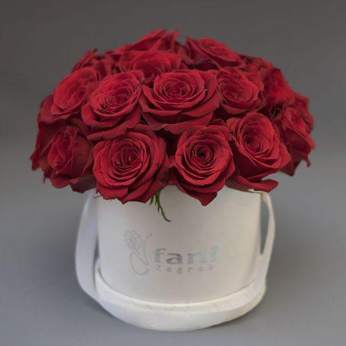 Crvene ruže u bijeloj deluxe kutiji M_Cvjećarnica Fani