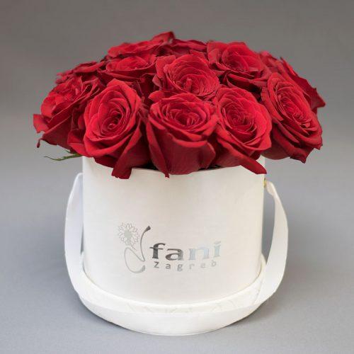 Crvene ruže u bijeloj deluxe kutiji S_Cvjećarnica Fani