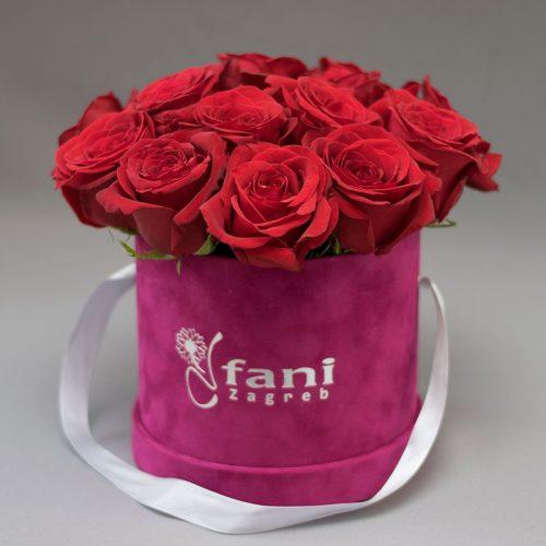 Crvene ruže u ljubičastoj baršun kutiji S_Cvjećarnica Fani