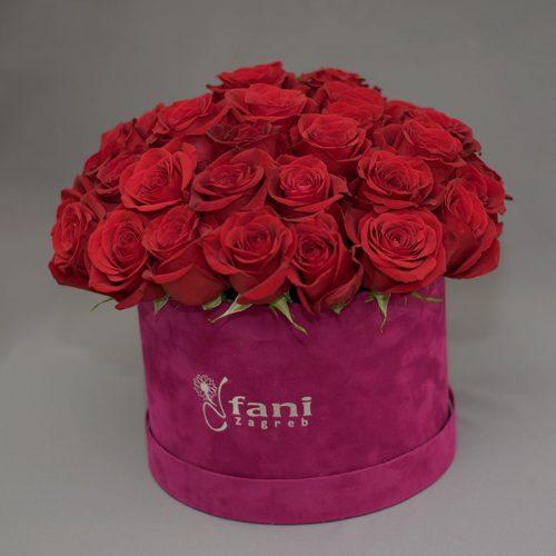 Cvjećarnica Fani_Flowerbox_Crvene ruže u ljubičastoj kutiji
