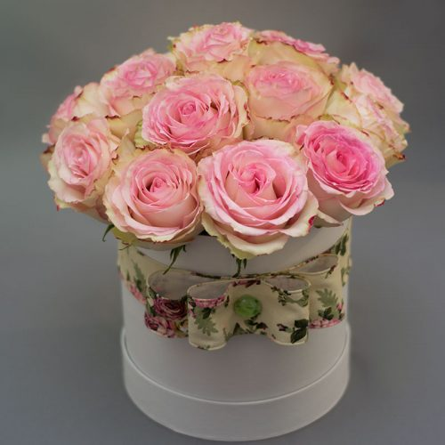 Cvjećarnica-Fani_Ružičaste ruže u kutiji